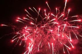 fireworks-417443_1280